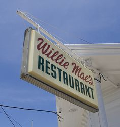 WILLIE MAE'S SCOTCH HOUSE - Great and simple Southern cuisine. Love this photo essay from Jason Perlow at Off the Broiler