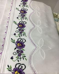 Felt Embroidery, Embroidery Designs, Linen Bedding, Duvet, Stitch Patterns, Sewing Patterns, Cross Stitch Magazines, Cross Stitch Borders, Bargello