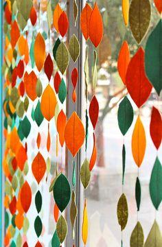 podzimní girlanda http://www.fler.cz/magazin/podzimni-girlanda-vam-rozzari-domov-1185