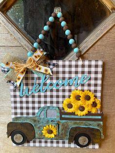 Easy Fall Crafts, Diy Home Crafts, Summer Crafts, Diy Craft Projects, Craft Ideas, Dollar Tree Decor, Dollar Tree Crafts, Cork Crafts, Frame Crafts