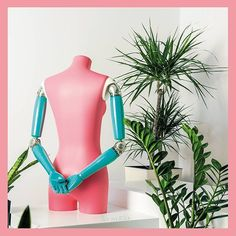 ArmFit is the new articulated arm collection by Sempere Mannequins. These beautifully designed arms can be used with any mannequin or bust form collection. #universal #fitting #customizable #easytouse #ecofriendly #nature #madeinspain #articulated #arm #collection #design #style #mannequin #mannequins #bustforms #display #craft #fashion #london #retail #windowdisplay