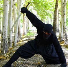 Ninja Japan, Smoke Screen, Ninja Art, Ninja Weapons, Shadow Warrior, Smoke Art, Art Costume, Dynamic Poses, Ninja Warrior