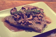 Steaks With Mushrooms And Red Wine Reduction (PALEO)