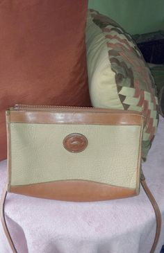 Hey, I found this really awesome Etsy listing at https://www.etsy.com/listing/184068075/vintage-dooney-and-bourke