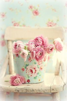 Love the shabby chic look... just gorgeous!