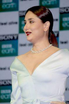 Hindi Actress, Bollywood Actress Hot Photos, Beautiful Bollywood Actress, Most Beautiful Indian Actress, Beautiful Actresses, Kareena Kapoor Bikini, Kareena Kapoor Pics, Deepika Padukone, Karena Kapoor