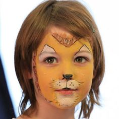 Animal Faces: You can get a face panting kit, and turn young children into animals as they arrive.  http://www.feezia.com/univers/accessoires-de-fete/maquillage-1/boite-de-12-crayons.html