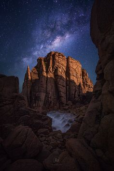 https://flic.kr/p/xYJGDJ | Moonlit | Old but gold! Another version of my night shot at The Pinnacles down in Victoria. Unfortunately, the moon wasn't rising as fast as I hoped, so I got only to capture the monolith moonlit half way only.