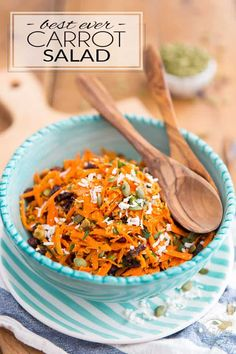 Ready in just a few minutes, this is undoubtebly the Best Carrots Salad EVER! Try it once and I can guarantee that it will become your go-to carrot salad recipe! Just be sure not to leave the secret ingredient out. Salad Recipes Gluten Free, Carrot Salad Recipes, Coconut Recipes, Healthy Recipes, Vegetarian Dinners, Recipe For Mom, Fruits And Veggies, Vegetables, Salads