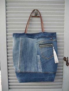 청바지를 못 버리는 이유3 : 네이버 블로그 Denim Purse, Denim Outfit, Handmade Handbags, Handmade Bags, Jean Diy, Denim Ideas, Denim Crafts, Love Jeans, Recycled Denim