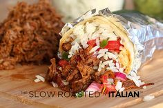 Chipotle's Copycat Barbacoa Recipe - Seared beef is slow cooked in a spectacular spicy adobo sauce and combination of flavors that create the perfect moist and tender Mexican shredded beef. Slow Cooker Recipes, Beef Recipes, Cooking Recipes, Vegan Recipes, Cooking Ham, Cooking Ribs, Fondue Recipes, Halal Recipes, Hamburger Recipes