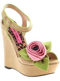 Betsey Johnson Eldoris shoes. Gorgeous. #BetseyJohnson #shoes