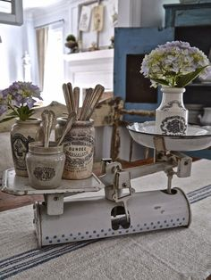 Fantastic modern french country decor are available on our web pages. Have a look and you wont be sorry you did. French Decor, French Country Decorating, Antique Decor, Vintage Decor, Cozinha Shabby Chic, Kitchen Vignettes, Old Scales, French Country House, Farmhouse Chic