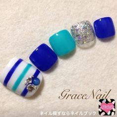 different shaped nails Luv Nails, Pretty Toe Nails, Cute Toe Nails, Pedicure Nail Art, Toe Nail Art, Feet Nail Design, Toe Nail Designs, Aloha Nails, Summer Toe Nails