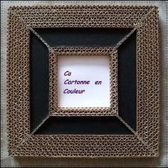 Cadre miroir en dentelle de carton et cuir noir