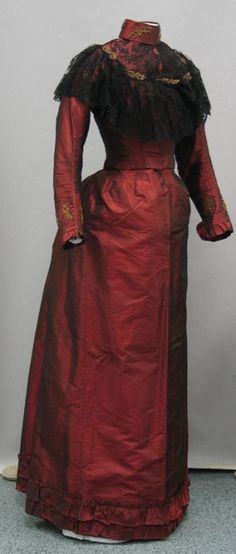 Second Day Dress  1894-95 United States  A second day dress was worn for celebrations the day after a woman was married. There could also be third, fourth, fifth, etc day dress.