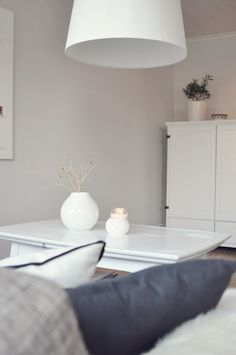 skumring på veggen Simple, Ideas, Home Decor, Decoration Home, Room Decor, Home Interior Design, Thoughts, Home Decoration, Interior Design