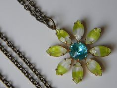 Vintage Glass Daisy Flower Pendant Necklace Vintage Summer Daisy Necklace Lime Green and Aqua Daisy Flower