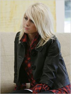 I've always loved Taylor Jacobson's hair... <3