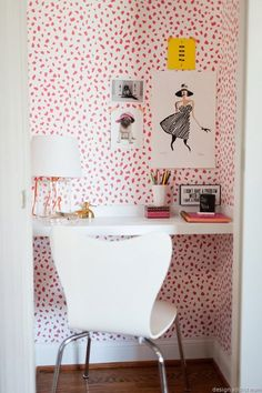 Awesome and artistic vinyl material self-adhesive temporary wallpaper, easy to use!    Peel it, Stick it and LOVE it!