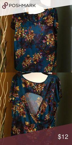 Shirt Flower back out top torrid Tops Blouses