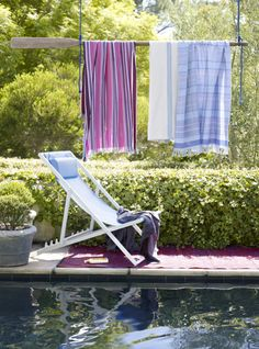 This seasons must have for any laid back pool party is the hammam towel, cleverly displayed here. Image : Livingetc