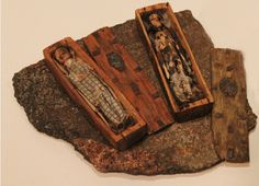 The mysterious coffins of Arthur's Seat / National Museum of Scotland Voodoo Dolls, Little Boxes, Weird Facts, Macabre, Coffin, Archaeology, Vintage Photos, Creepy, Scotland