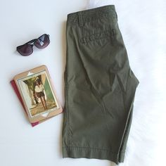 CARGO Shorts: Jcrew Comfy cargo shorts from Jcrew! Army green with pockets, still in very good condition!  perfect for this summer! Measurements are provided in the las pictures :) please check my closet for other cute accessories. J. Crew Shorts Cargos