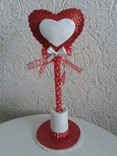 Pluma Love Valentines, Valentine Crafts, Holiday Crafts, Holiday Decor, Coffee Cup Crafts, Coffee Cups, Flower Pens, Birthday Party Favors, Felt Animals