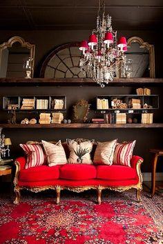 lush-red-boho-style-living-room.jpg 550×825 piksel