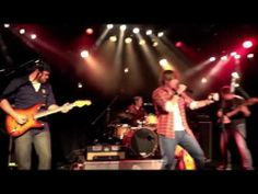Ben Bradford - Fishin' In The Dark LIVE - YouTube I love what Ben did with this, smoothly transitioning back-and-forth among 3 completely different songs, creating one amazing one!!!!