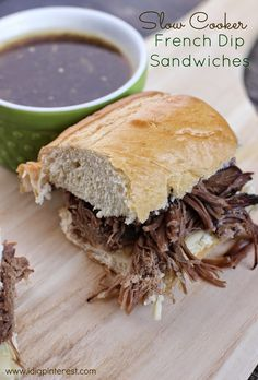 Another pinner: Slow Cooker French Dip Sandwiches Crockpot Dishes, Crock Pot Cooking, Beef Dishes, Slow Cooker Recipes, Crockpot Recipes, Cooking Recipes, Old Fashioned Dinner Recipe, Sandwiches, Hot Dog Recipes