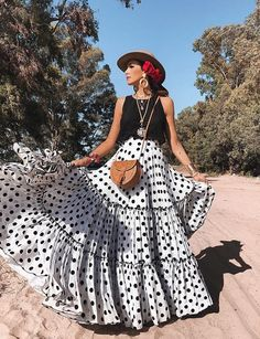 spanish style homes dfw Boho Outfits, Skirt Outfits, Cute Outfits, Fashion Outfits, Fashion Mode, Boho Fashion, Fashion Looks, Womens Fashion, Lifestyle Fashion