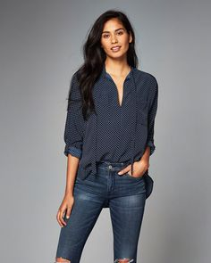 Womens Printed Tie-Front Blouse