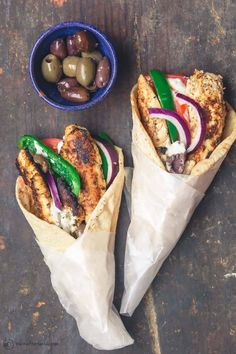 Love your Greek restaurant's gyros? Easy, flavor-packed chicken gyro recipe w/ tzatziki is as delicious & healthier! The Mariande makes all the difference. You can make this right in your skillet for any night of the week! #greekfood #greekrecipes #gyro #greekchicken #chicken #grilledchicken #quickdinner Chicken Gyro Recipe, Chicken Gyros, Chicken Recipes, Tzatziki Chicken, Chicken Pita, Mediterranean Dishes, Mediterranean Diet Recipes, Greek Roasted Potatoes, Yogurt Marinated Chicken