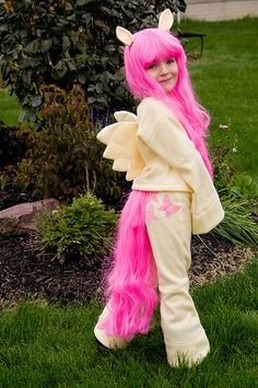 Ava wants to be Fluttershy from My Little Pony.totally think I could make this too :) Adorable homemade My Little Pony costume penner penner Crawford you could make this for Liz! My Little Pony Costume, My Little Pony Party, Creative Costumes, Cute Costumes, Costume Ideas, Halloween Boo, Halloween Costumes For Kids, Fancy Dress, Dress Up