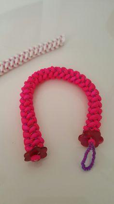 Un bracelet pour ma fille. Superduo néon Pink mat et rocaille 11 miyuki fushia lined aqua luster