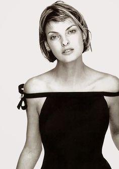 Linda Evangelista by Richard Avedon for Versace (1994)