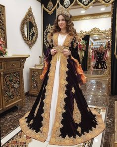 ✔ Dress Designs Indian Long #clothes #ootd #beautiful Beautiful Long Dresses, Nice Dresses, Prom Dresses, Wedding Dresses, Bridal Dresses 2017 Pakistani, Pakistani Bridal, Indian Long Dress, Indian Dresses, Dress Design Patterns