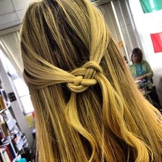 How to tie a Pretzel Knot in Hair
