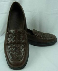 500675d3170 Clark s Springers Women s Brown Leather Woven Comfortable Loafers Size 6 M