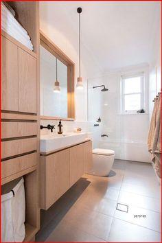 Los muebles son el 50 de los elementos indispensables en un cuarto de baño, así que su estética debe ser la acertada para combinar con el acabado de los sanitarios, la pared y su iluminación natural. #tendencias2020 #banos #cuartodebanomodernos #banosmodernosideas #banosmodernos #cuartodebanoprincipal #mueblesdebanodemadera #muebles #paredblanca Minimalist Bathroom Design, Modern Bathroom Design, Bathroom Interior Design, Contemporary Bathrooms, Minimalist Bathroom Furniture, Scandinavian Bathroom Design Ideas, Bathroom Furniture Design, Kitchen Design, Modern Bathroom Lighting