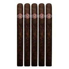 The natural wrapper cigars are a bit spicy with a well balanced element of flavor while the maduro version is well defined by its distinct earthy and espresso aroma. #padron #executive #maduro #aroma #espresso