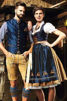 These are traditional German/Oktoberfest attire: Liederhosen for men, and Dirndl. German Oktoberfest, Oktoberfest Costume, Traditional German Clothing, Traditional Dresses, Traditional Fashion, Drindl Dress, German Costume, Gilet Costume, Leather Pants