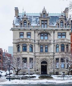 "Christopher Filippidis on Instagram: ""The Burrage House ☃️ Built in 1899 in the Châteauesque style, an excellent architectural example of the Gilded Age. Now turned into four…"" Boston Usa, The Ch, Gilded Age, House Built, Victorian Homes, Exterior, Mansions, Architecture, House Styles"
