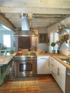 """Emily & Erica's Home With a """"Warm Industrial Cottage Look"""" — House Call 