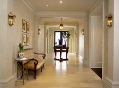 como decorar pasillos tendencias metal dorados