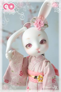 KIRA KIRA BJD.... Believe it or not... This creeps me out!!!