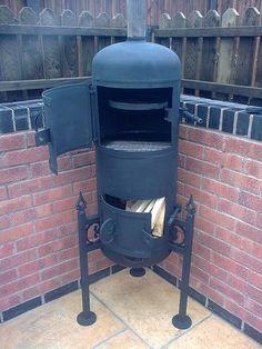 gas bottle rocket stove - Recherche Google Gas Bottle Bbq, Gas Bottle Wood Burner, Smoker Cooker, Fire Pit Bbq, Fire Pits, Wood Pellet Stoves, Homemade Smoker, Four A Pizza, Stove Oven