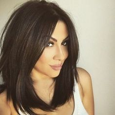 Searching for Sexy Long Bob Hairstyles? There are a plenty of variety of long bob hairstyles are available to style. Here we present a collection of 23 Amazing Long Bob Hairstyles and haircuts for you. Cabello Color Chocolate, Hair Styles 2016, Long Hair Styles, Medium Hair Styles For Women, Women Hair Cuts, Hair Cut Styles, Short Hair Cuts For Women With Round Faces, Long Bob Hairstyles, Braided Hairstyles